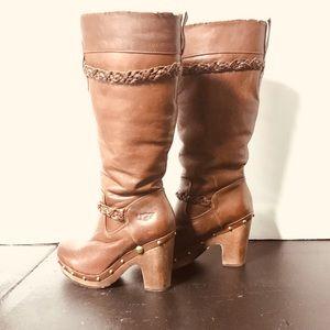 UGG Savannah tall boots wooden heel